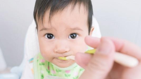 Stop Labelling Anak Susah Makan Ya, Moms!