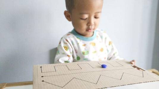 Ide Bermain untuk si Kecil: Magnet Maze