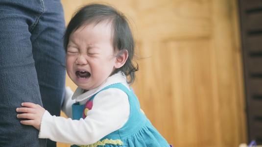 Bagaimana Menghadapi Anak Pada Fase Separation Anxiety?