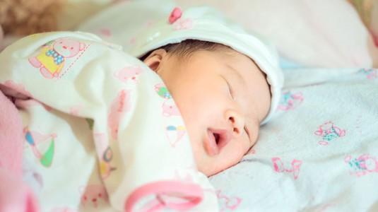 Kenali Milestones Bayi 2 Bulan