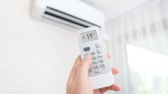 Ruangan Ber-AC Membuat Kulit Kering? Yuk Moms Pakai Humidifier!