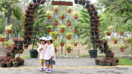 Wisata Candi Borobudur bersama Balita