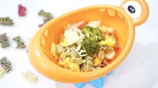 Animal Shape Pasta with Meatballs, Egg & Broccoli