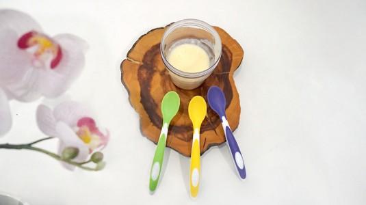 Mengajarkan Anak Makan dengan Menggunakan Sendok