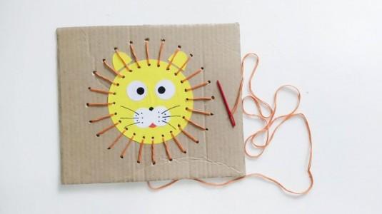 Ide Bermain untuk si Kecil: Lion Sewing Activity