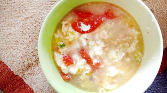 Resep MPASI Sup Tomat Telur (14M+)