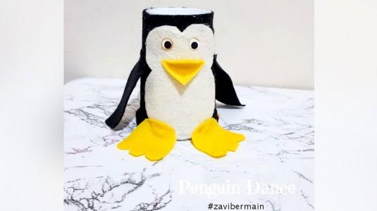 DIY Toys Penguin Dance dari Gelas Bekas