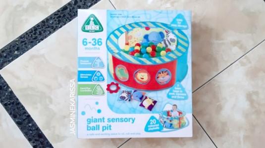 Review: ELC Giant Sensory Ball Pit