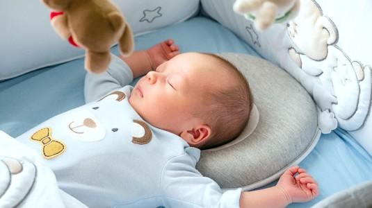 Tips Cerdas Pilih Bantal untuk Bayi