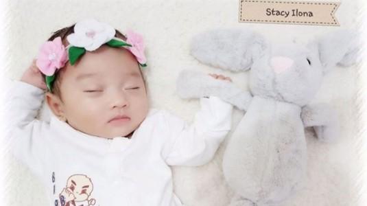 Bagaimana Cara Menyiasati Jadwal Siang-Malam Newborn yang Terbalik?