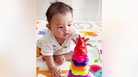 Bermain Sambil Belajar untuk Perkembangan Otak Bayi