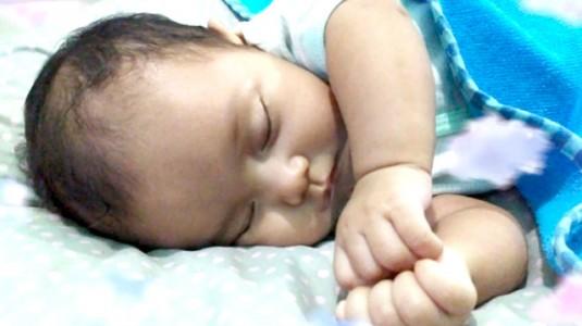 Keunggulan Botol Susu Anti Kolik, Bayi Nyaman Ibu pun Tenang
