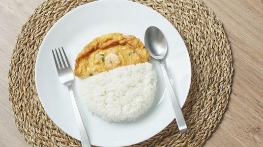 Resep MPASI High Calorie: Nasi Gurih Telur Dadar