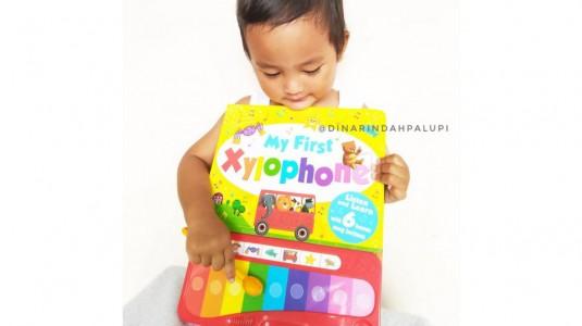 Review Buku My First Xylophone: Buku Sekaligus Mainan untuk si Kecil
