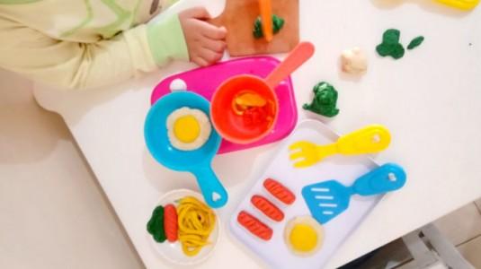 DIY Playdough untuk Main si Kecil