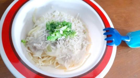 Resep MPASI Spaghetti Carbonara Brokoli dan Ayam Cincang (12M+)