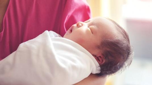 Sirkumsisi (Sunat) pada Bayi Perempuan