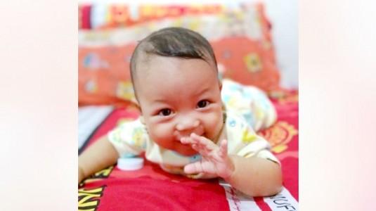 Botol Susu Anti Kolik dengan Manfaat Ganda untuk si Kecil