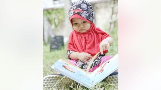 Manfaat Membacakan Buku pada Anak