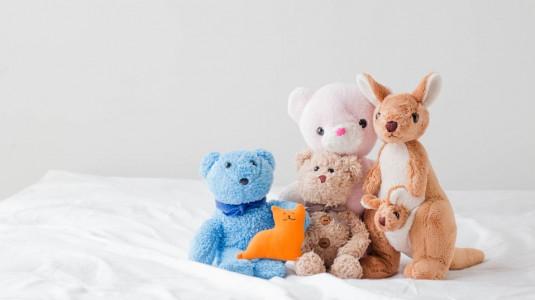 Manfaat Bermain Boneka Bagi Si Kecil