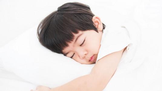 Tips Disiplinkan Waktu Tidur Anak Sejak Dini