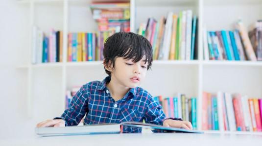 Yuk, Tanamkan Jiwa Cinta Perpustakaan pada Anak!