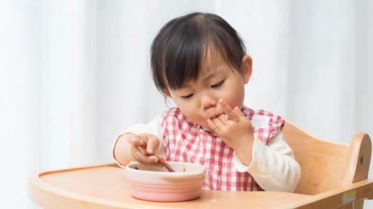 Ingin Coba Self-Feeding? Perhatikan 5 Hal Ini
