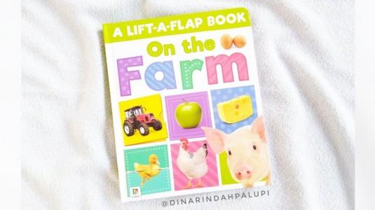 Review Buku A Lift-A-Flap Book On The Farm