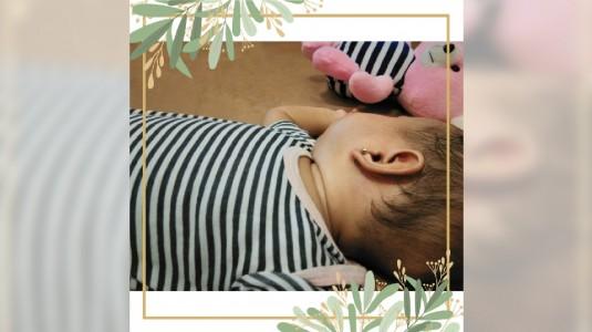 Tindik Telinga Si Bayi Perempuan