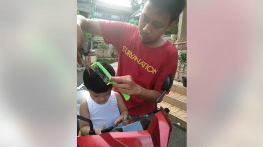 Tantangan Kegiatan Mencukur Rambut si Kecil Selama Masa Adaptasi Baru