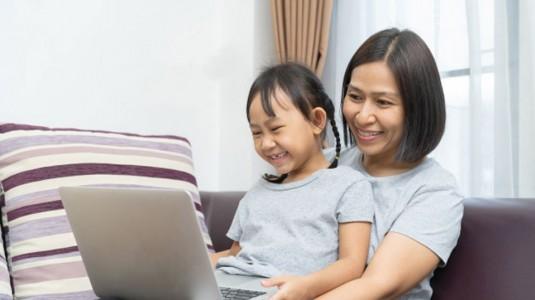 Moms, Simak 7 Tips Mengurangi Stres Si Kecil Selama Belajar di Rumah Berikut Ini