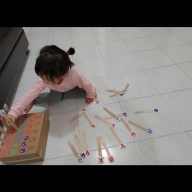 Ide Bermain Anak - Alphabet Stick