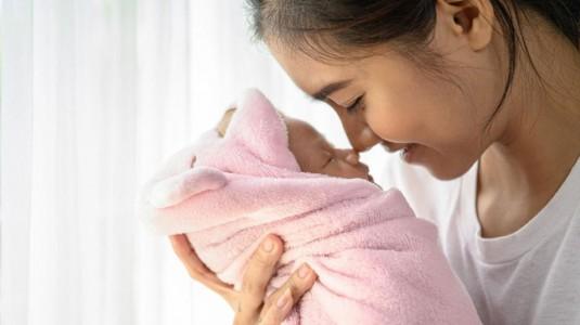 Merawat si Kecil di 2021, Mulai dengan Memberikan Kehangatan dan Kenyamanan