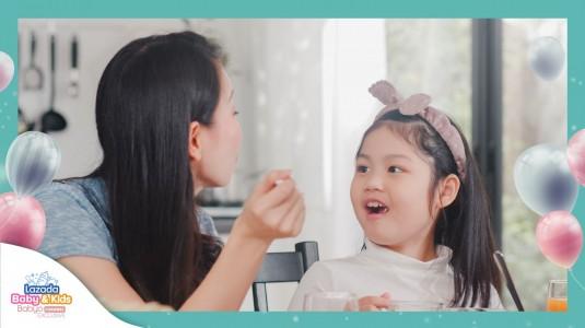 Melatih Kemampuan Bersosialisasi si Kecil Meskipun di Rumah Saja