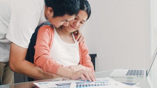 7 Langkah Bagi Tugas Atur Keuangan Buat Pengantin Baru