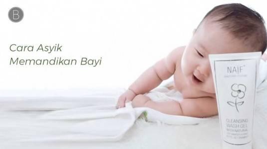 Cara Asyik Memandikan Bayi