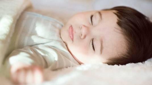 Penghantar Tidur Agar Si Kecil Lelap