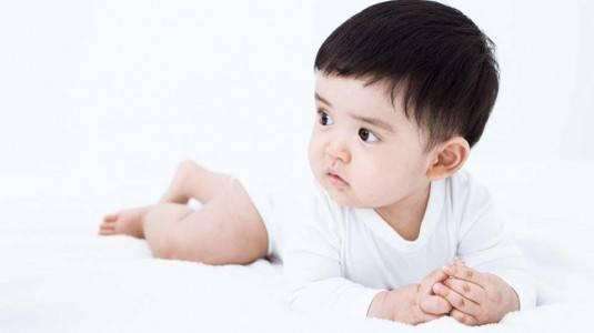 Apa Yang Terjadi Di Usia Bayi 7 Bulan?