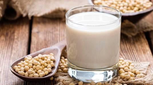 Kenapa Bumil Dianjurkan Konsumsi Susu Kedelai?