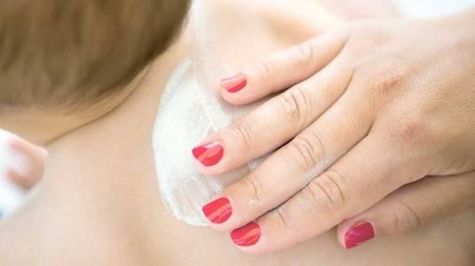 Si Kecil Alergi Minyak Telon, Kok Bisa?
