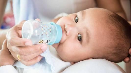 Cara Mengatasi Lemak yang Menempel pada Newborn