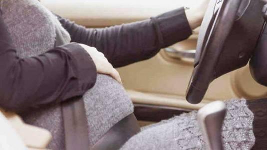 Bolehkah Ibu Hamil Menyetir Mobil?