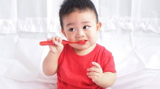 Perawatan Mulut dan Gigi Bayi