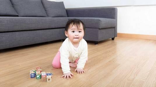 Kenali Jenis Gaya Merangkak Bayi