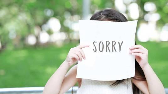 Haruskah si Kecil Dipaksa Meminta Maaf?
