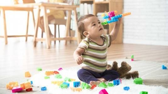 Haruskah Memasukkan Si Kecil Di Kelas Bermain Bayi?