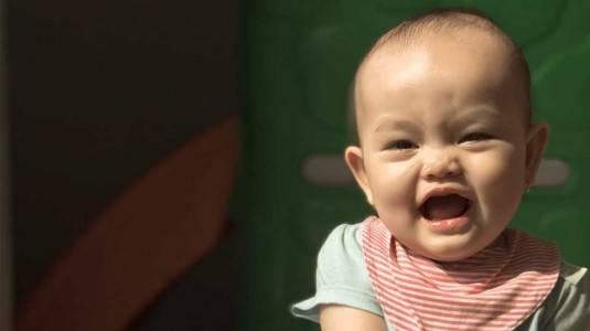 Mengapa Rambut Bayi Saya Sedikit?