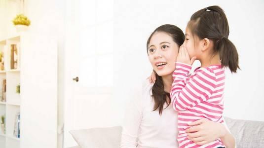 Tempat Ramai Bisa Jadi Penyebab Keterlambatan Bicara Anak?