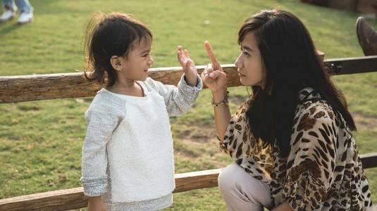 Bagaimana Mengatasi Anak yang Sering Berbicara Kasar?