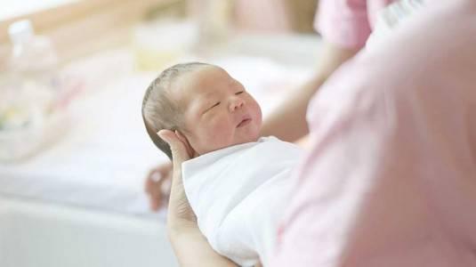 Pengalamanku Memandikan Newborn